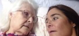 بالفيديو: حوار مؤثر بين مصابة بالزهايمر وابنتها